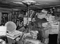 コリヤー兄弟のごみ屋敷、当時の報道写真(室内)