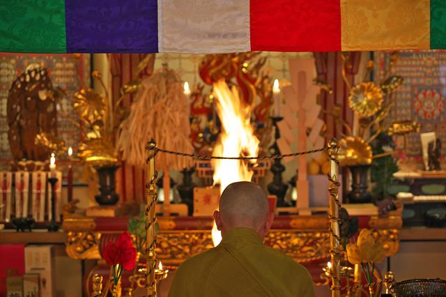 仏壇での供養